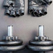 dumbbells-equipment-gloves-669585